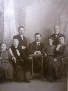 Родина Савицьких (прадід та бабуся)